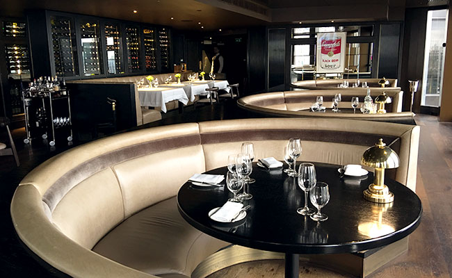 circular banquette seating in City Social by Jason Atherton