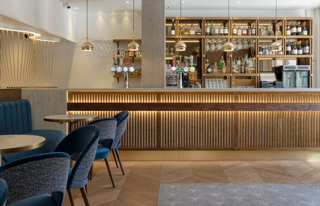 Japanese bar design with indirect lighting in Osaka Restaurant Reading